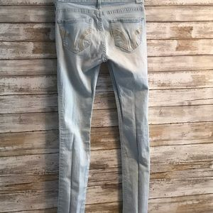 Hollister Jeggins
